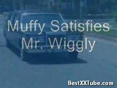 Muffy Satisfies Mr Wiggly BJ in a limo. 2 months ago